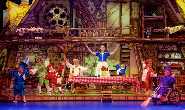 Snow White Panto. Snow white and the seven dwarfs review at Bristol Hippodrome